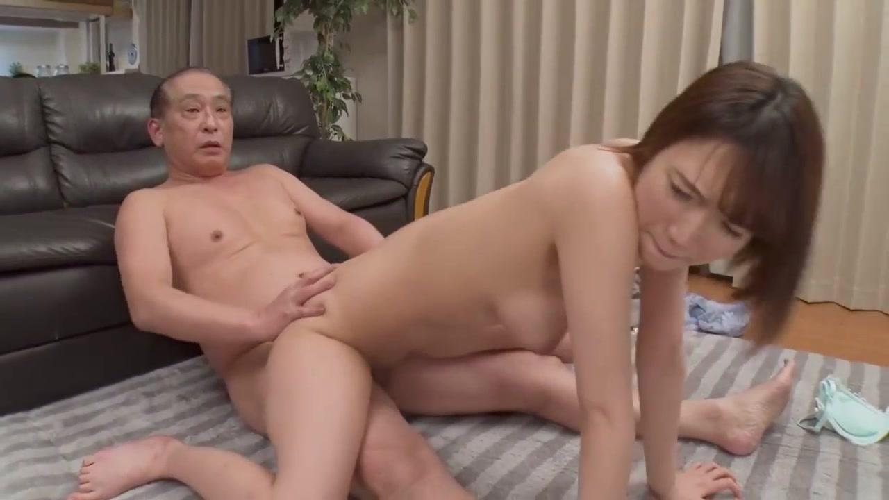 被父亲睡走播种的女友菊川三叶